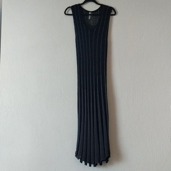 Miilla Clothing Dresses & Skirts - Knit maxi dress